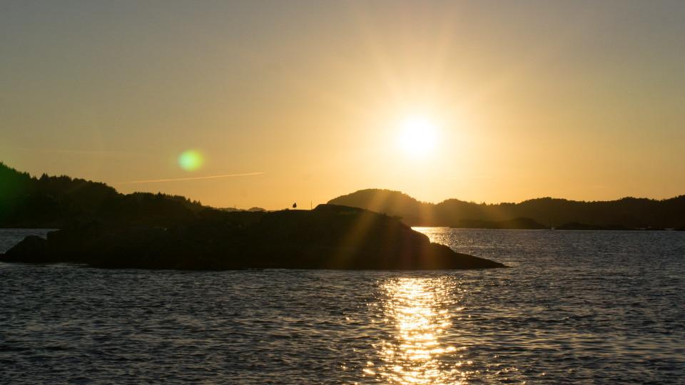 Sonnenuntergang zwischen den Schären